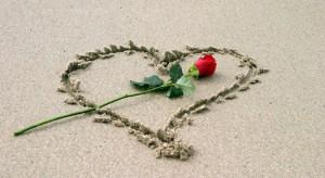 heart_in_sand